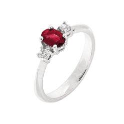 anillo de piedras de color